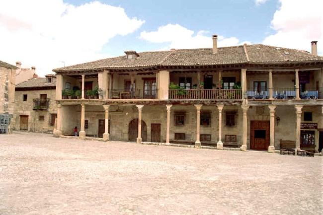 Pueblos medievales en espa a un bello legado del medioevo - La olma de pedraza ...