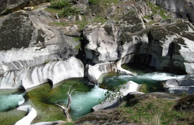 Seis piscinas naturales en vila for Piscinas naturales guadalajara