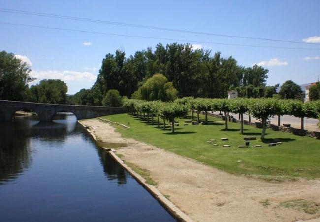 Seis piscinas naturales en vila for Piscinas naturales navaluenga
