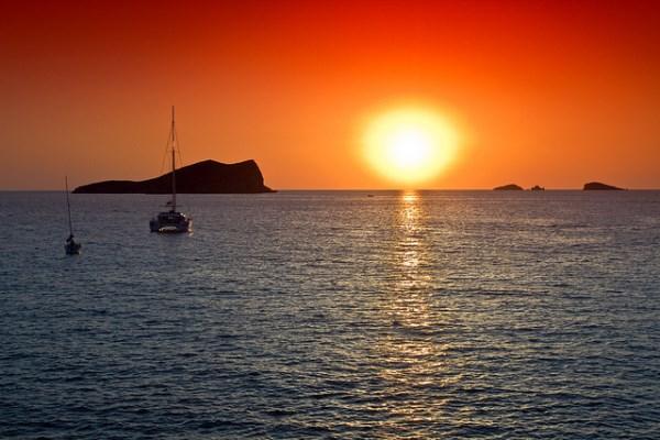 puesta de sol cala conta