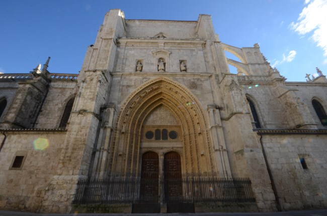Palencia Catedral puerta reyes
