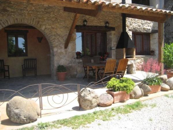Casas rurales con barbacoa for Barbacoa piedra volcanica jardin