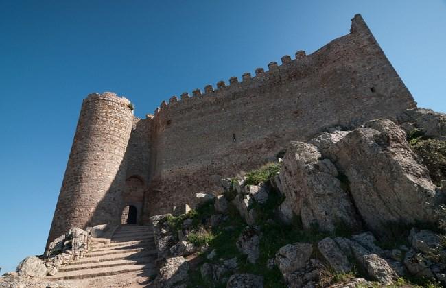 castillo puebla alcocer exterior
