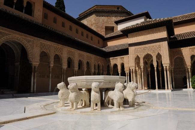 La Alhambra De Granada La Joya Del Estilo Nazari Tuscasasrurales Com
