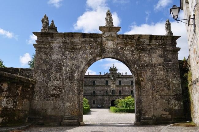 arco monasterio oseira