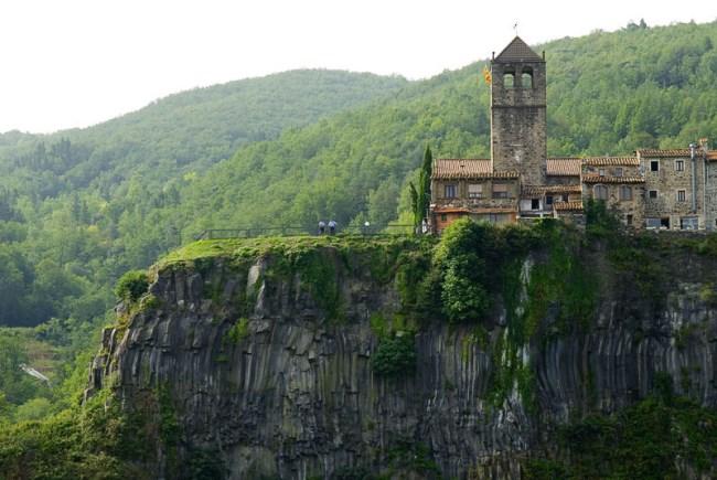 Iglesia Castellfollit de la Roca