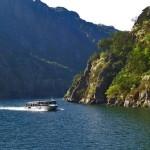 Ruta en catamarán por los espectaculares Cañones del Sil