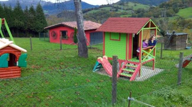 Casas rurales con parque infantil - Parque infantil casa ...