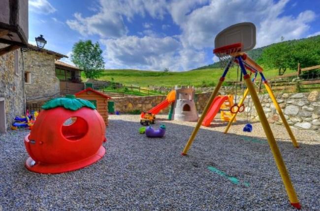 casa rural parque infantil Lleida