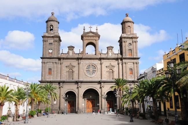 áspero Virgen hermoso en Las Palmas de Gran Canaria