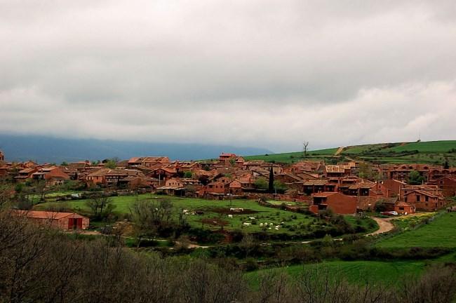 Villacorta pueblo rojo segovia