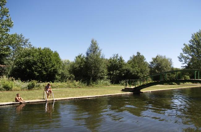 Castilla y le n for Piscinas fluviales leon