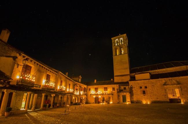 plaza mayor pedraza noche de las velas