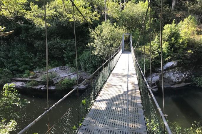 puente colgante ruta del ferrocarril