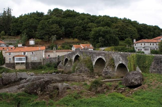 A Ponte Maceira Galicia