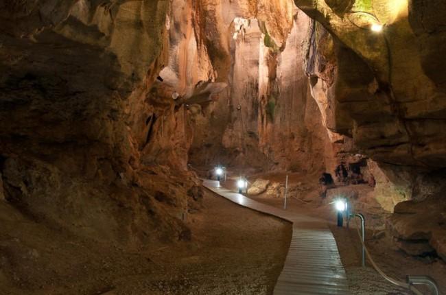 Cueva de las Calaveras Benidoleig Alicante