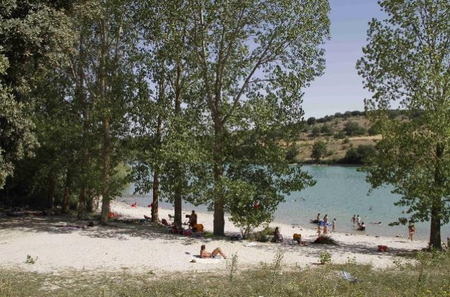 playa embalse Encinas de Esgueva Valladolid