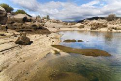 Casas rurales en navaluenga for Piscinas naturales navaluenga