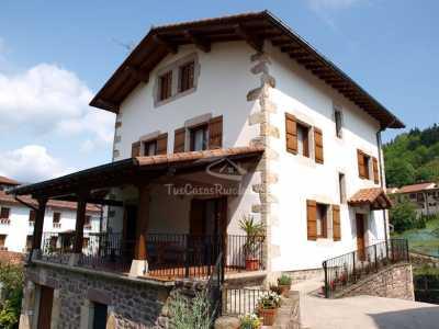 Casa Martintzenea
