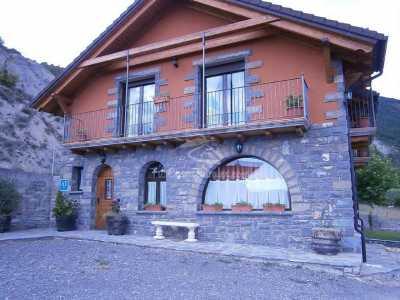 Casa Miguel Periz